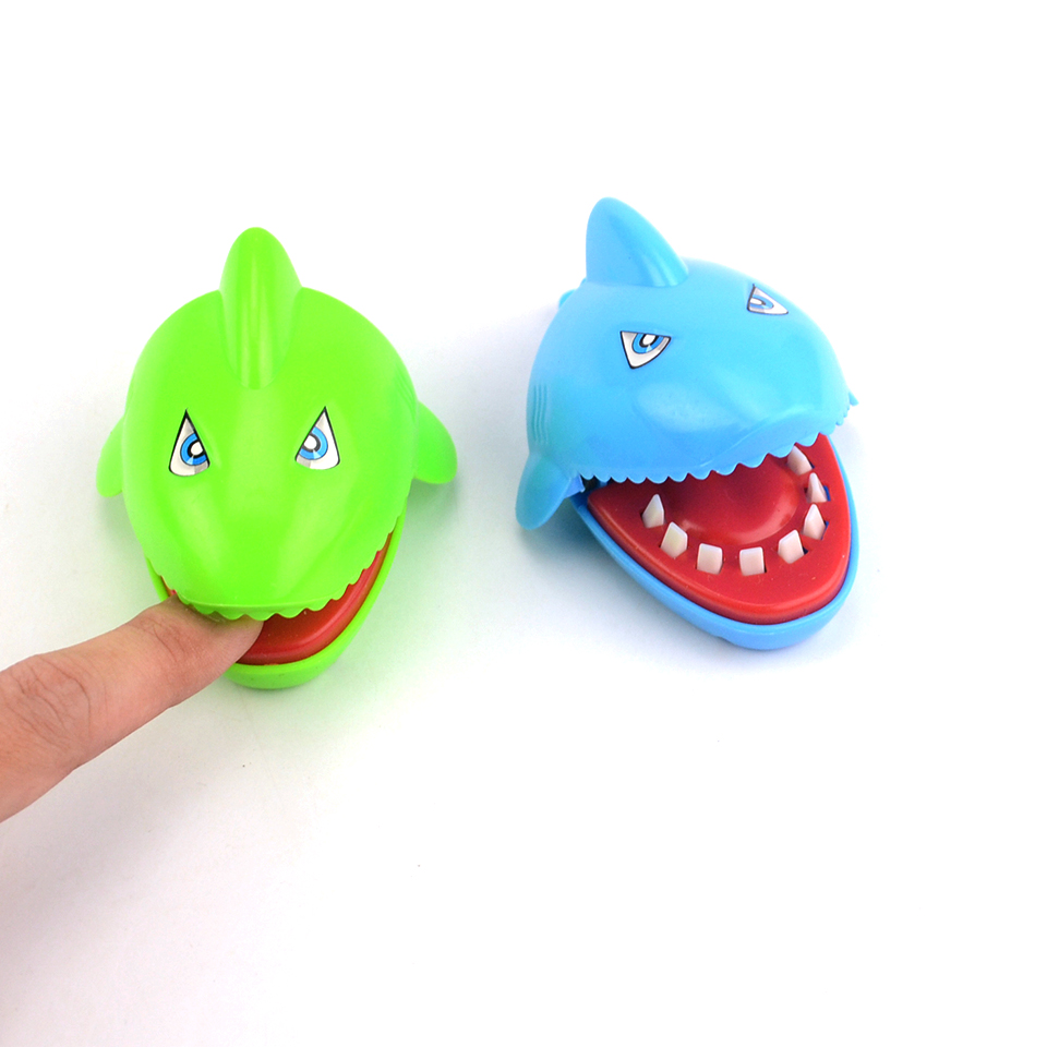 New Novelty Large Funny Trick Mini Shark Dentist Toy Bite Finger Prank Toys Pet Practical With Key Chain Mouth for Kids Gift