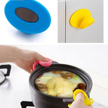2PCSMini Kitchen Dishes Plate Heat Insulated Finger Protector Glove Holder Clip Oven Gloves Safety Kitchen SUO1