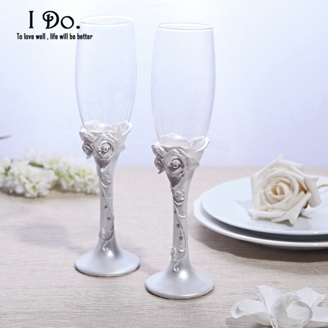 Free Shipping Pearl White Resin Flower Wedding Toasting Flutes