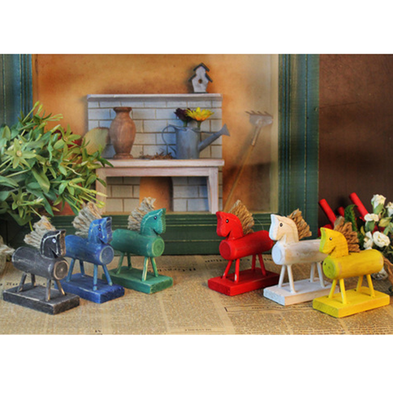 1Pc Retro Artificial Wooden Miniature Horse Desk Decoration Crafts Random Color