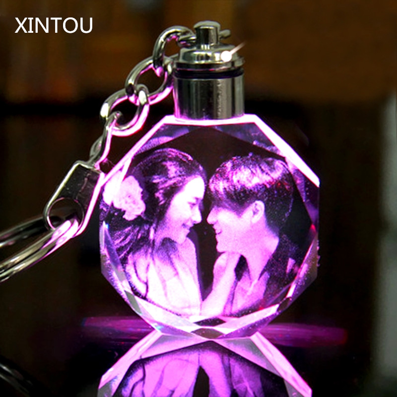 XINTOU Crystal Photo Frame Keychain LED Light Hanging Pendant Laser Engraved Cuatomized Cadre Photo Wedding Souvenir Gifts
