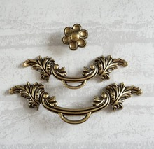 Vintage Chic Drawer Pulls Handles knobs Dresser Flower Knobs / Bronze Cabinet Kitchen Decorative Hardware