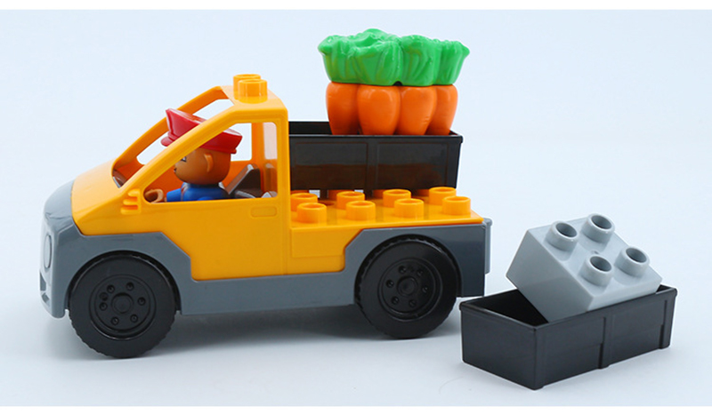 Big SIze Building Blocks Accessory City Bus Truck Aircraft Transport Fire Truck Brick Model Compatible Duploe Toys for children  (1)