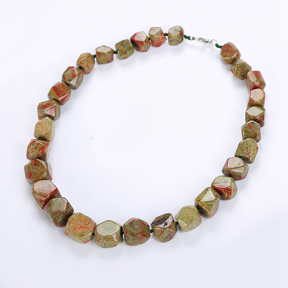 Original Women Jasper Necklace Crystal Irregular Original green Necklace Stone Healing Vintage Classic Fashion Exquisite Jewelr