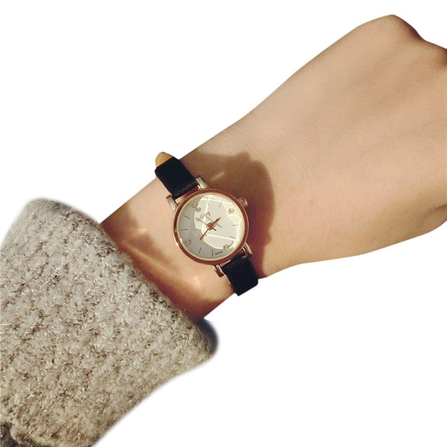 Simple Lovers' Small Rhinestone Dial Watches Women Leather Strap Analog Quartz W