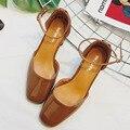 Moda primavera Baixo Sapatos de Salto Grosso do Sexo Feminino Sapatos de Couro de Patente Dos Saltos Altos Fivela Oco Único com Tira No Tornozelo Sandálias G8278-15
