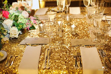 2017 Hot Sale Gold Sequin RECTANGULAR Tablecloth 120cmx400cm Sequin Table Cloth Wedding Event Party Banquet Supplies Decoration