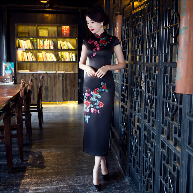 black formal chinese dresses cheongsam chinese ladies elegant silk vintage  traditional plus size for women dress with embroidery f2533e138ceb