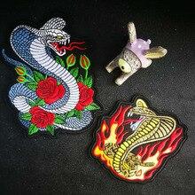 ローズヘビ火災ヘビ刺繍パッチの鉄でパッチ刺繍アップリケ縫製ラベルバイカーパッチ服ステッカーバッジ