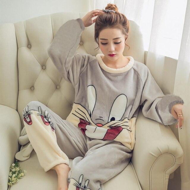 2017 осень-зима Для женщин пижамы набор сна куртка брюки пижамы теплая ночная рубашка женские Носки с рисунком медведя из мультика животного Брюки для девочек пижамы