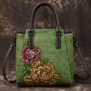 Image 3 - Johnature Casual Tote 2020 ใหม่ของแท้หนังกระเป๋าถือลายนูนVintageกระเป๋าสตรีขนาดใหญ่ความจุดอกไม้ไหล่กระเป๋าCrossbody