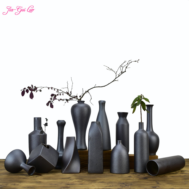 JIA-GUI LUO Ceramic Vases Hotel Leisure Club Display Dried Flower and Decoration Container Creative C015