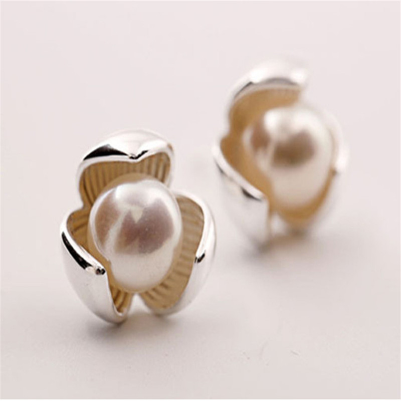 925 Sterling silver Pearl stud earrings clover Women fashion jewelry in Stud Earrings from Jewelry Accessories