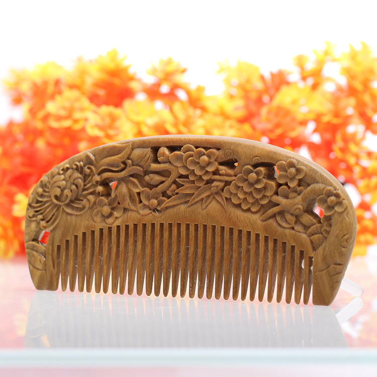 2pcs Pork combs natural green sandalwood very narrow teeth comb no static lice beard hair comb style green sandalwood combed wooden head neck mammary gland meridian lymphatic massage comb wide teeth comb