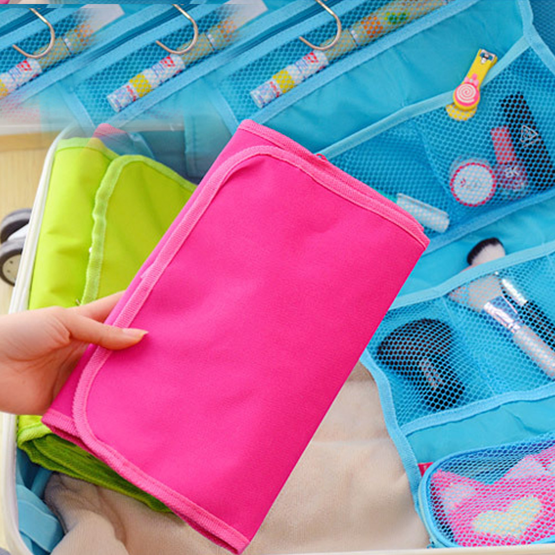 Portable Hanging Organizer Bag Foldable Cosmetic Makeup Case