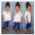 Varejo 2015 Meninas Novas rendas t shirt + colete + calça jeans 3 pcs conjunto de crianças da moda top com shorts jeans wear Crianças roupas casuais 1 conjunto