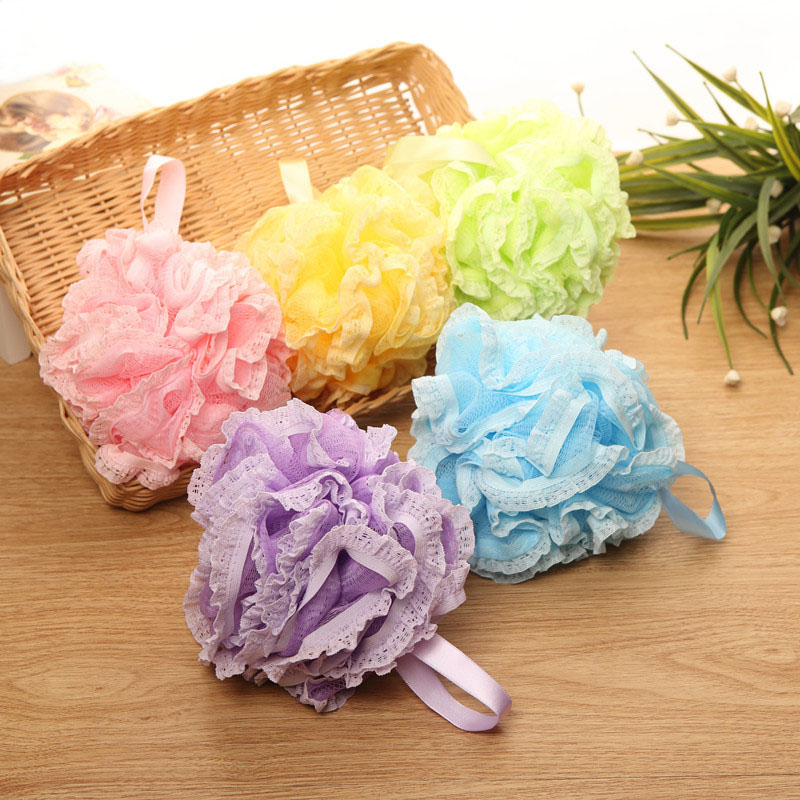 1PCS Thickening Lace Bathing Ball Home Lovely Large Rubbing Bath Ball Children Bath Brushes Random Colors