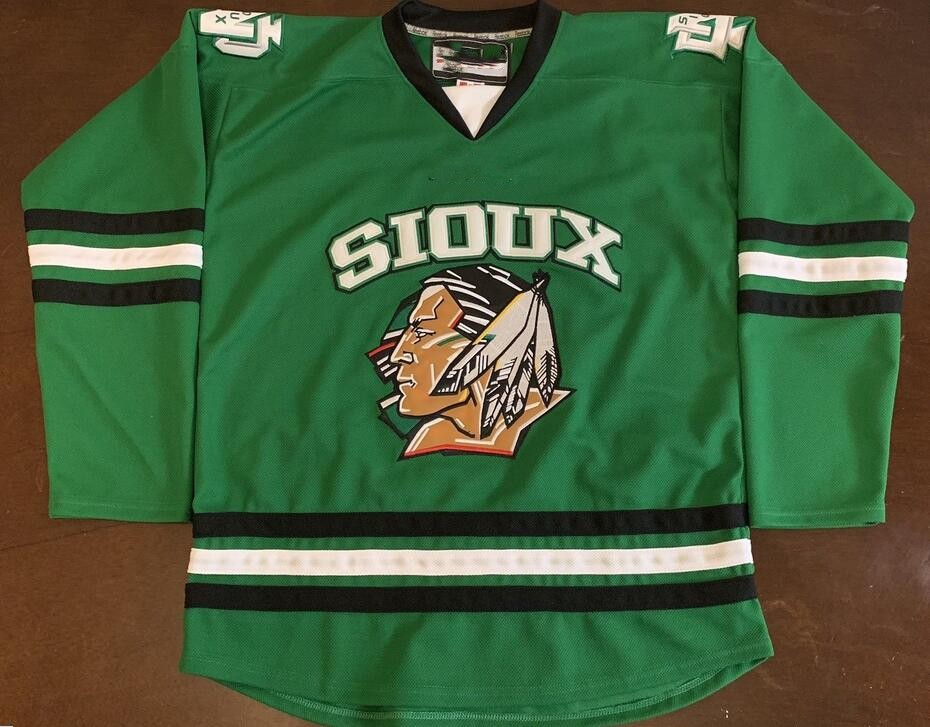 newest c47e5 5c8ab TJ OSHIE JONATHAN TOEWS Zach Parise North Dakota Fighting Sioux Hockey  Jersey Embroidery Stitched Customize any number and name