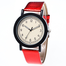 The new simple men and women watch Clockwise display show color leather strap quartz watch