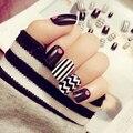 24 UNIDS productos Del arte Del Clavo rayas negras de Moda parche uñas postizas cortas (no Contiene pegamento)