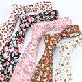 12 Colores de Alta Calidad de Los Hombres Floral Corbatas 8 cm Ancha de 2017 del Nuevo Diseñador de moda de La Vendimia Corbata Flor Rosa Roja de La Boda para Los Hombres