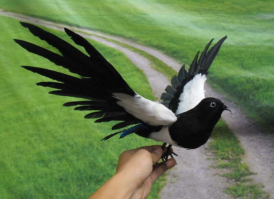 simulaiton flying magpie toy polyethylene & furs black and white wings magpie model about 30cm 1729simulaiton flying magpie toy polyethylene & furs black and white wings magpie model about 30cm 1729