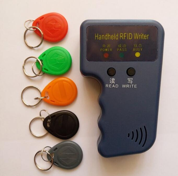 Handheld 125KHz RFID Copier Writer Duplicator Programmer Reader + 5pcs EM4305 Rewritable ID Keyfobs Tags handheld 125khz rfid id card duplicator programmer reader writer copier duplicator 6 pcs cards 6 pcstags kit