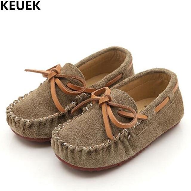19bc2f4589347 Nouveau Enfants Chaussures Bébé Enfant En Cuir Véritable Chaussures Garçons  Filles Mocassins Bowknot Mocassins Enfants Appartements