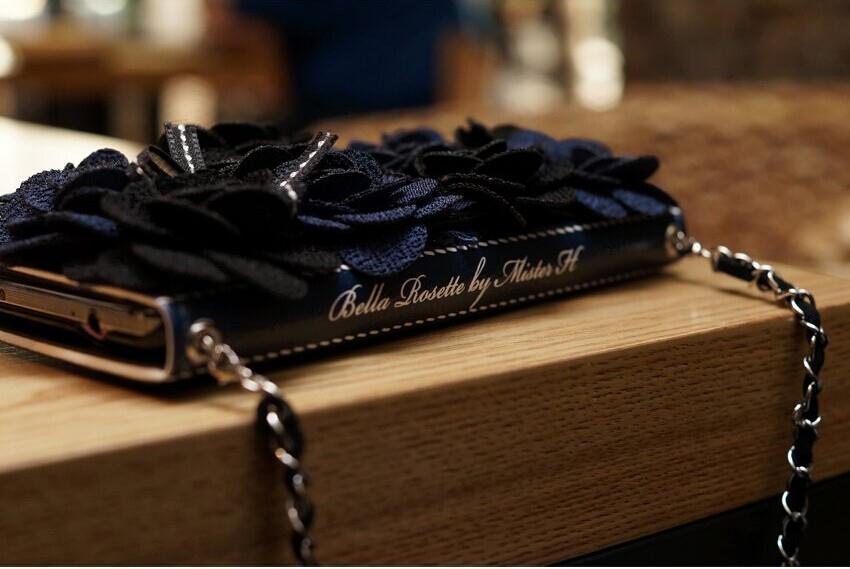 imágenes para Lujo 3D Rose Tela roseta de Flores de Peonía Negro Flip monedero de Cuero caso para iPhone6 6 s iPhone6 plus 7 7 Plus 4.7/5.5 caso del banquete