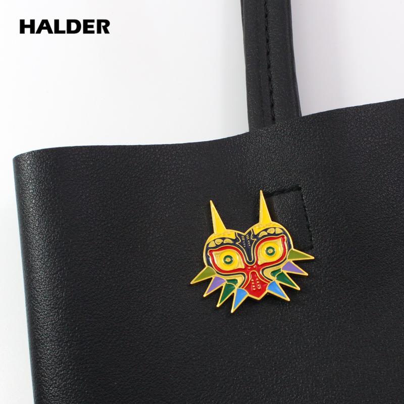 Halder Anime Cartoon Fashion Jewelry The Legend Of Zelda Brooches Majora's Mask Brooch Pins Cosplay Costume Gift For Boys