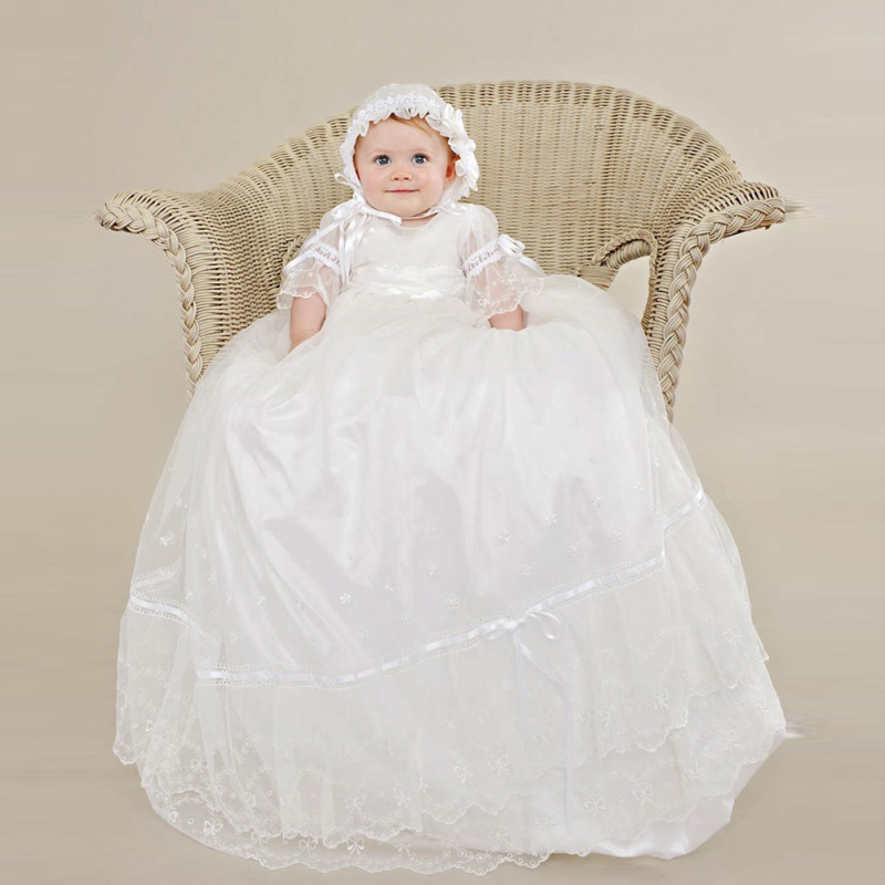 Stunning Vestido dama de honra Sheer Lace Appliques Soft Ruffles Baby Girl Long Christening Gowns Baptism Frock With Bow 2016 lace ruffles sheer cami babydoll