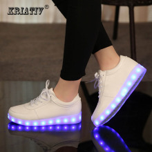 KRIATIV Mode Lumineux sneakers Usb de charge shoes led Pantoufles faire avec des Lumières Up coloré Led tenis Enfants Baskets Lumineuses