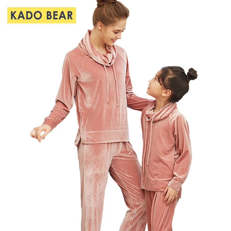 Girl Velvet Pajamas Set Kids Sleepwear Family Look Matching Mom Mother Daughter Pyjamas Children Clothing Winter Outfits ClothesGirl Velvet Pajamas Set Kids Sleepwear Family Look Matching Mom Mother Daughter Pyjamas Children Clothing Winter Outfits Clothes