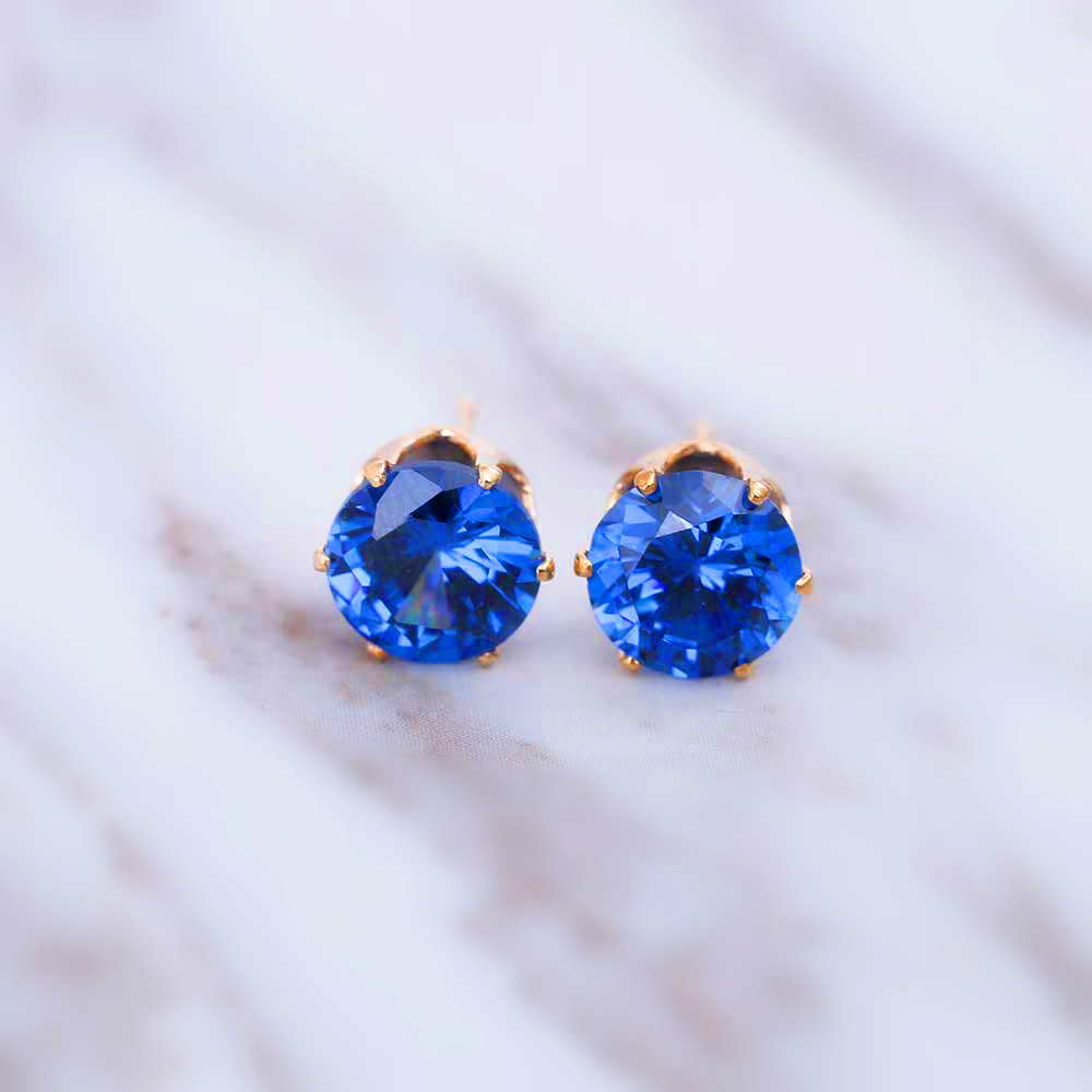 2018 New Luxury Brand Stud Earings Jewelry 8mm Crystal Earrings For Women Tiny Simple Crown Earrings Christmas Gift Jewellery