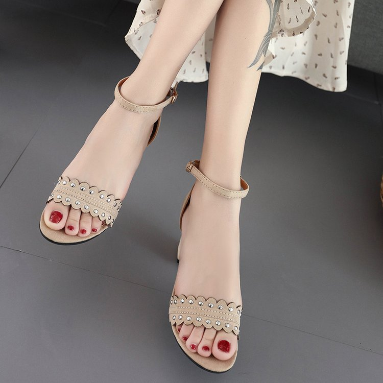 2019 summer new high-heeled thick with ladies sandals Korean version of the fish mouth word buckle rivet ladies sandals(China)