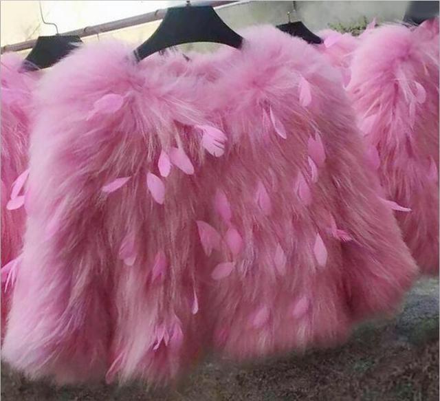 Sweet Pink Color Genuine Real Raccoon Fur Coat Short Design Women Winter Fur Jackets MM-35