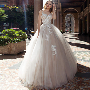 Image 1 - Loverxu colher uma linha vestido de casamento 2019 apliques ilusão tanque manga botão vestido de noiva chique tribunal trem vestido de noiva mais tamanho