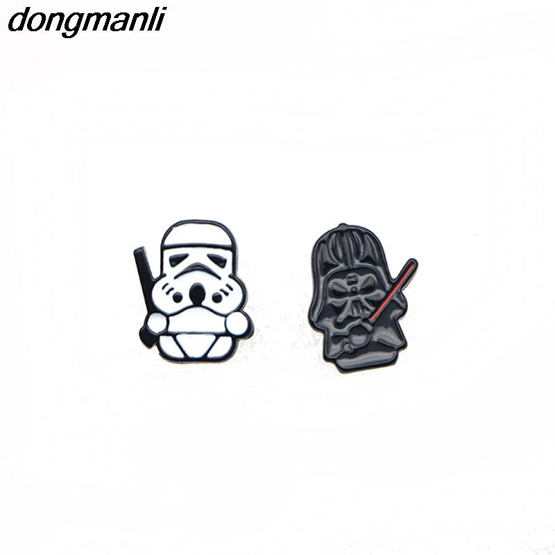 WS1034 Dongmanli Nuevo 1 par Pendientes Mujer Cartoon Star Wars Dark Warrior y tropas de tormenta stud Earings kids For Gifts