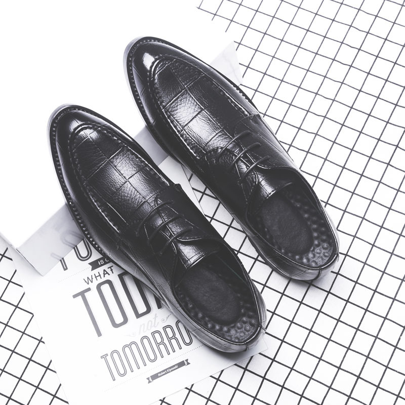 summer 2018 Man Flat Classic Men Dress Shoes Genuine Leather Wingtip Carved Italian Formal Oxford Plus Size