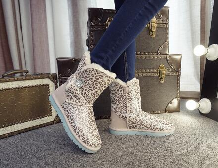 The women  winter snow boots, leather shoes boots leopard slip flat tube warm fashion snow boots high quality the snow leopard