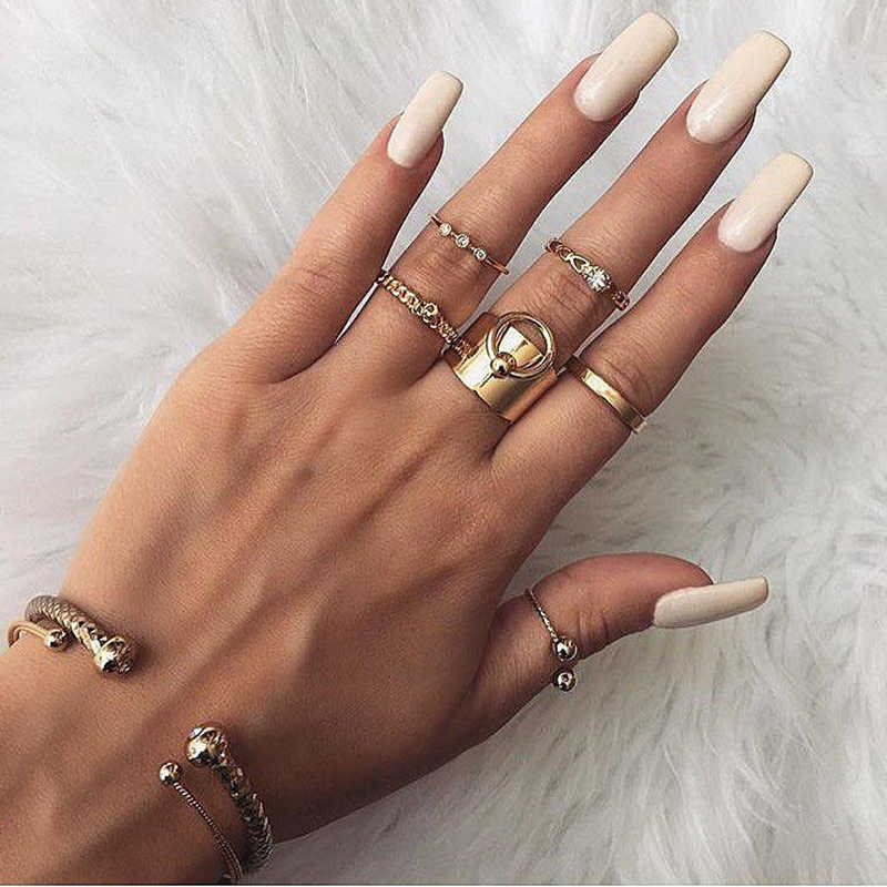 6 Pcs/ Set Vintage Hollow Heart Bead Geometric Pendant Crystal Gold Ring Set Female Personality Knuckle Ring Simple Jewelry Gift
