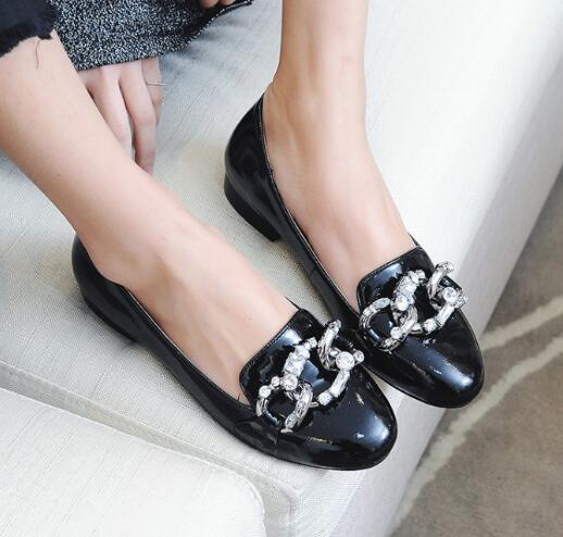 Фотография 2017 hot selling black patent leather flat shoes round toe crystal embellished chains woman shoes slip-on casual shoes