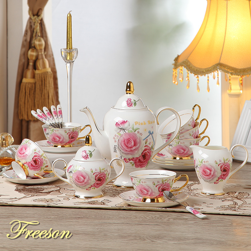Romanttinen Rose Bone China Coffee Set Brittiläinen posliini Tea Set Eurooppa Keraamiset Pot Creamer Sugar Bowl Teatime Teekannu Kahvikuppi