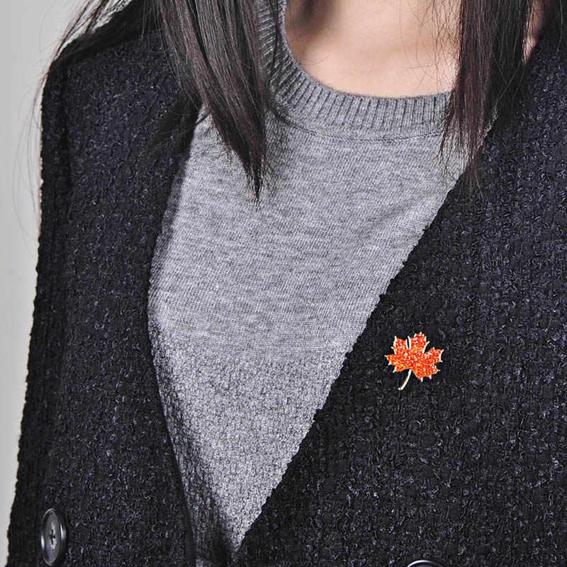 Blucome Hidup Tanaman Maple Daun Bentuk Bros Penuh Merah Kristal Perhiasan Pin Wanita Gadis Hadiah Kerah Syal Hat Aksesoris Pakaian