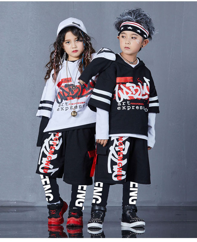 4 Pieces new fashion print cool boys Girls Clothing set Cotton t-shirt hip hop dance pants sport clothes suits Kids outfits 4 pieces new fashion print cool boys girls clothing set cotton t shirt hip hop dance pants sport clothes suits kids outfits