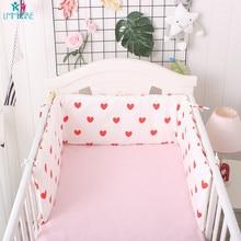 цена Cute Breathable Cartoon Baby Crib Bumpers Heart Crib Bed Bumpers Newborns Cot Protector Cotton Pad for Baby Room онлайн в 2017 году