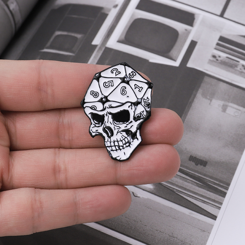 D20 Skull Pin Twenty-Sided Die Halloween Gothic Backpack Hats Accessories Classic Punk Skeleton Enamel Brooches Pins For Friends