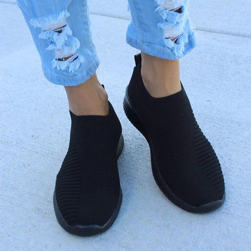 Women Sneakers 2020 Knitted Casual Slip On Female Flat Shoes Mesh Soft Walking Footwear Women Vulcanize Shoes Tenis Feminino