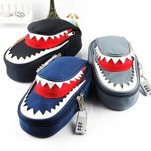 Image 1 - Süper büyük kapasiteli yaratıcı köpekbalığı tuval okul kalem kutusu kalem çantası kalem çantası kod kilidi ile
