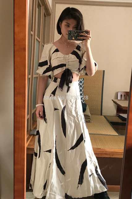 US $199 0  2018SS Cream Brushstroke PAINTED HEART Cropped BODICE V neck  Short sleeves Ruched tie BOW TOP+High waist panelled Midi Skirt-in Blouses  &